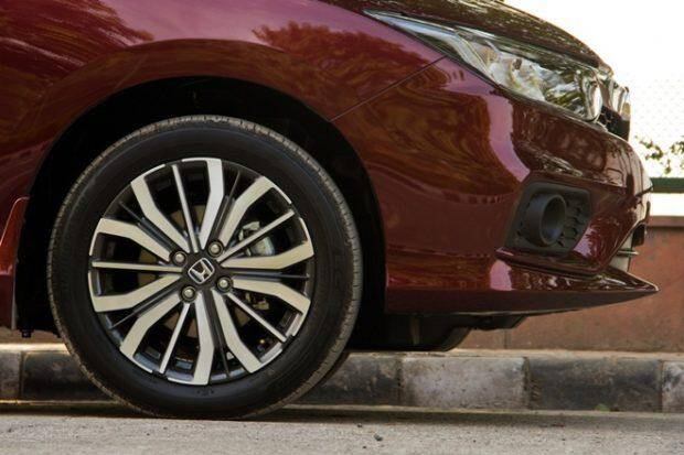 The Honda City ZX get 16-inch diamond cut alloys