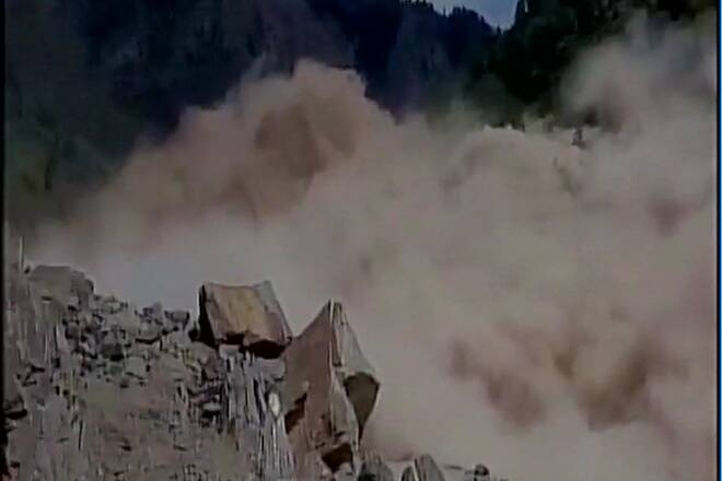 Rishikesh-Badrinath NH closed after landslide, 1000