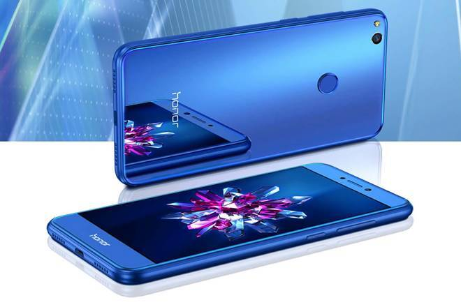Honor 9 launches with dual cameras, microSD and a headphone jack