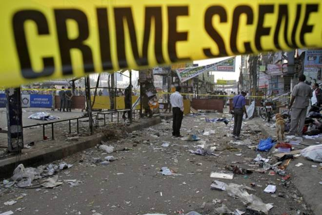 34 injured in the explosion of a truck bomb in Lahore