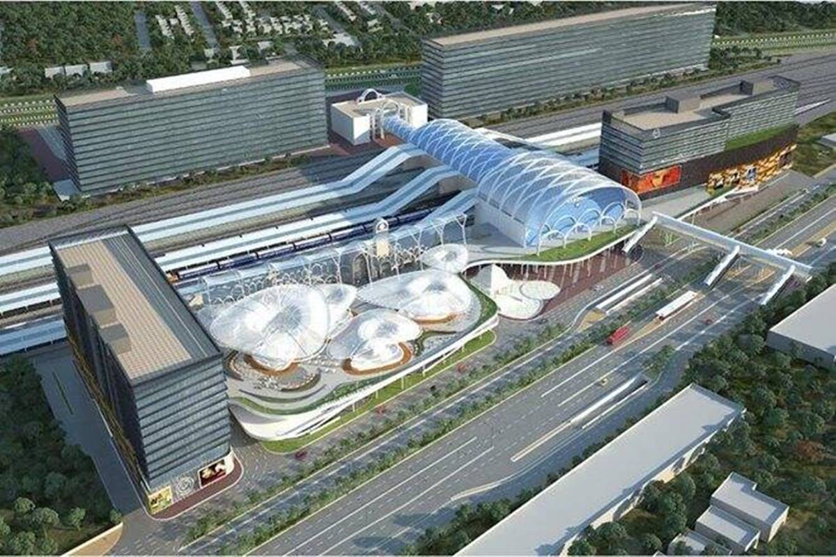 Work in progress for Indian Railways first world-class station! Watch Video of redeveloped Habibganj station